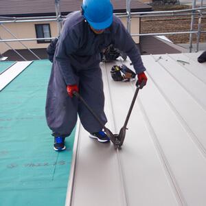 家づくりの流れ 09.屋根工事