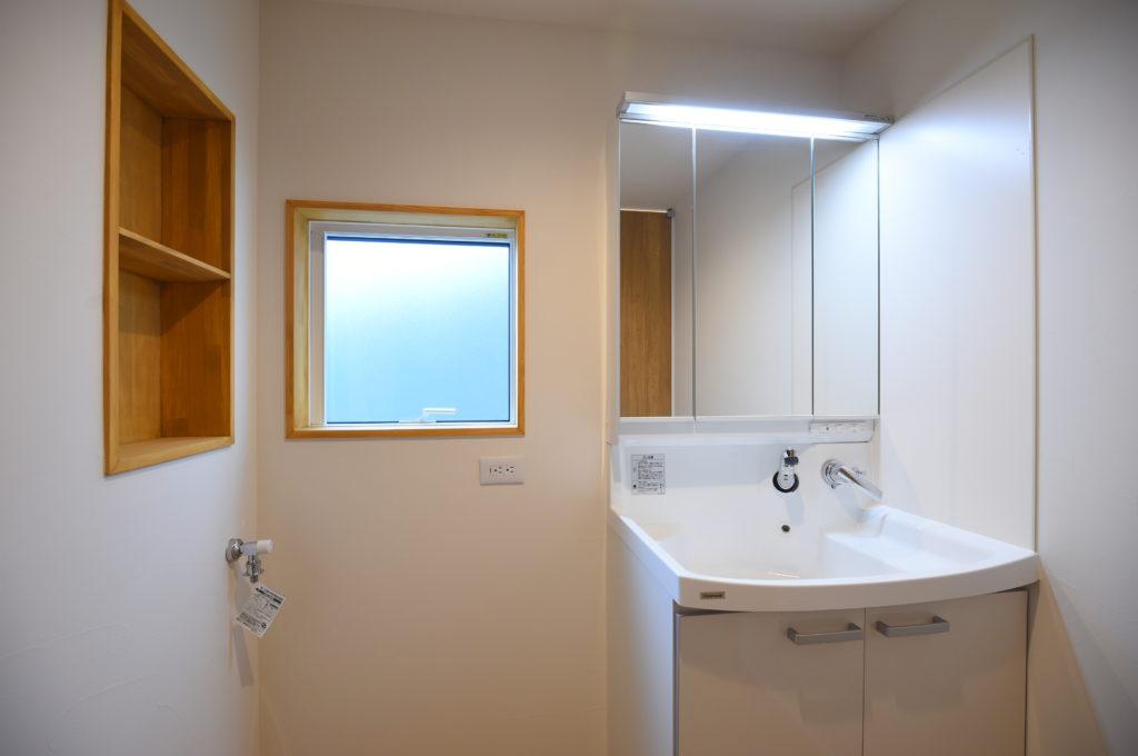 洗面台とニッチ|八戸市 工務店