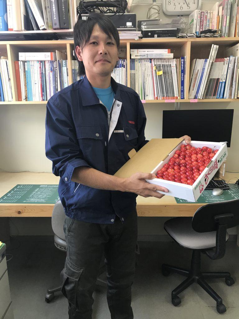 塩倉君とさくらんぼ|八戸市 新築注文住宅