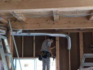 新築注文住宅の換気扇ダクト工事|八戸市 工務店