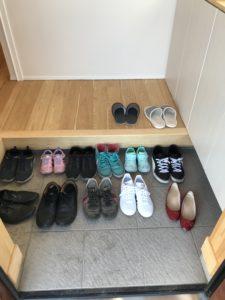 完成見学会たくさんのご来場のお客様の靴|八戸市 工務店