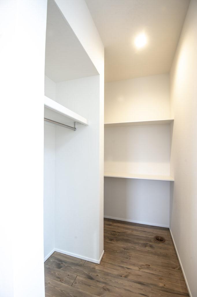 新築住宅キッチン隣のパントリー|八戸市 工務店