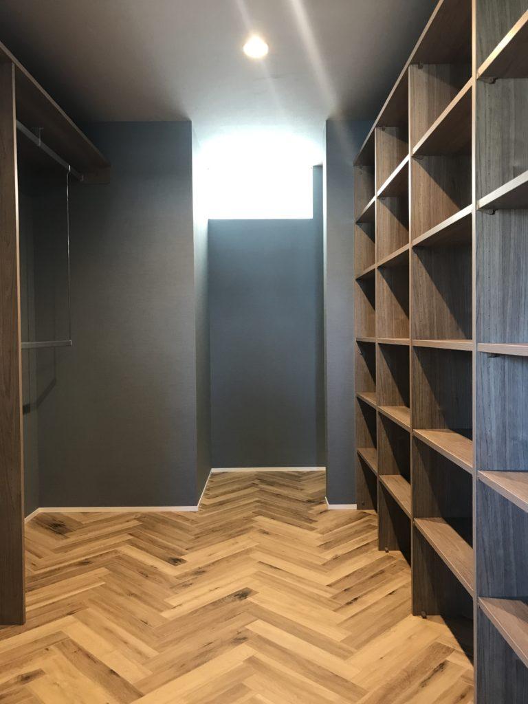 セレクトショップのようなクローゼット|八戸市 新築住宅