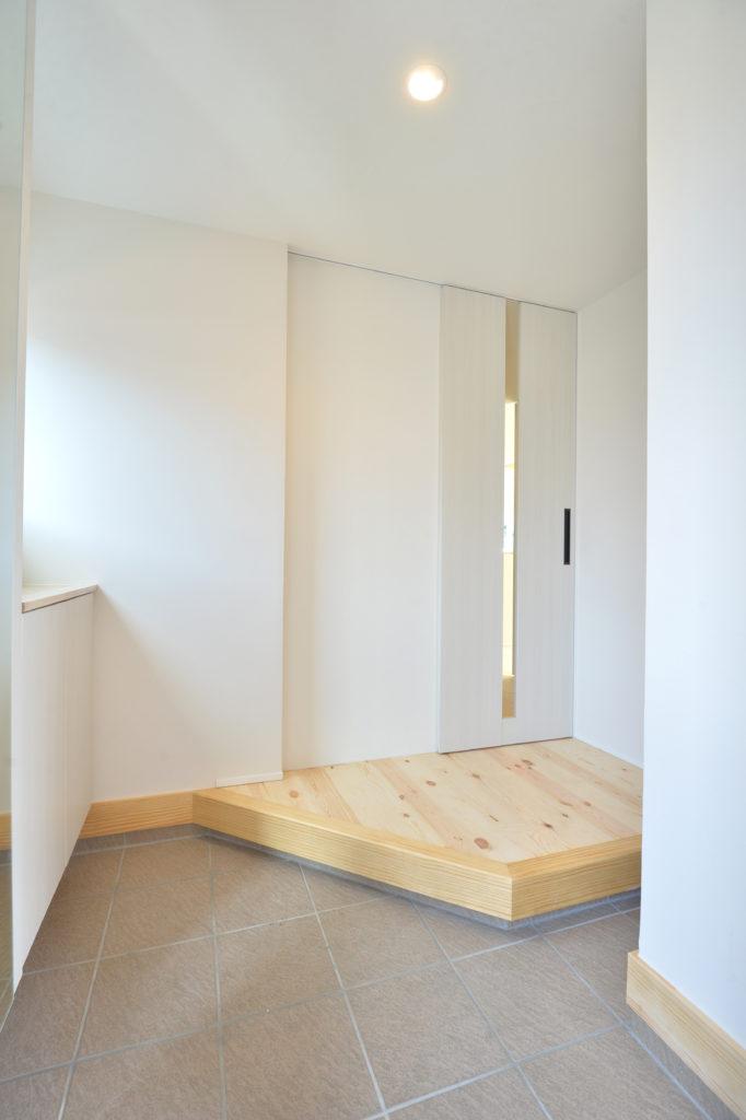広い玄関|八戸市 新築住宅