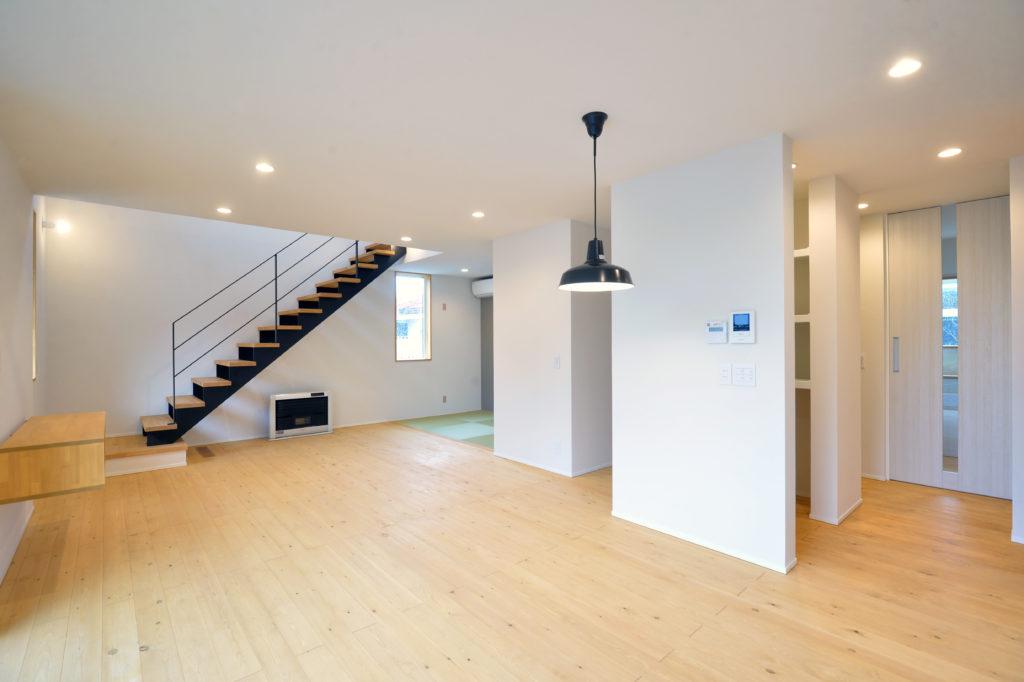 二戸市新築住宅の広いリビング|八戸市 工務店