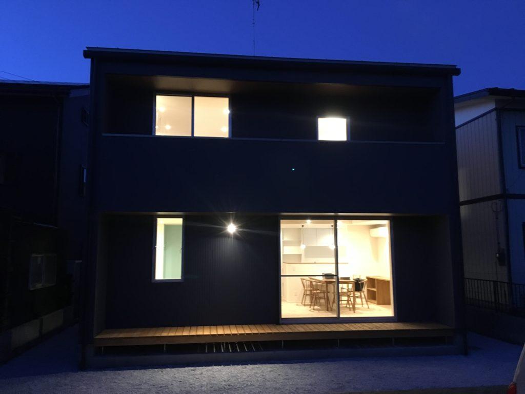 夜の雰囲気の新築住宅|八戸市 完成見学会