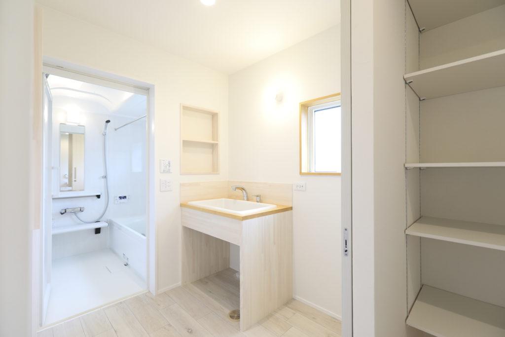 造作洗面化粧台|五戸町 新築住宅