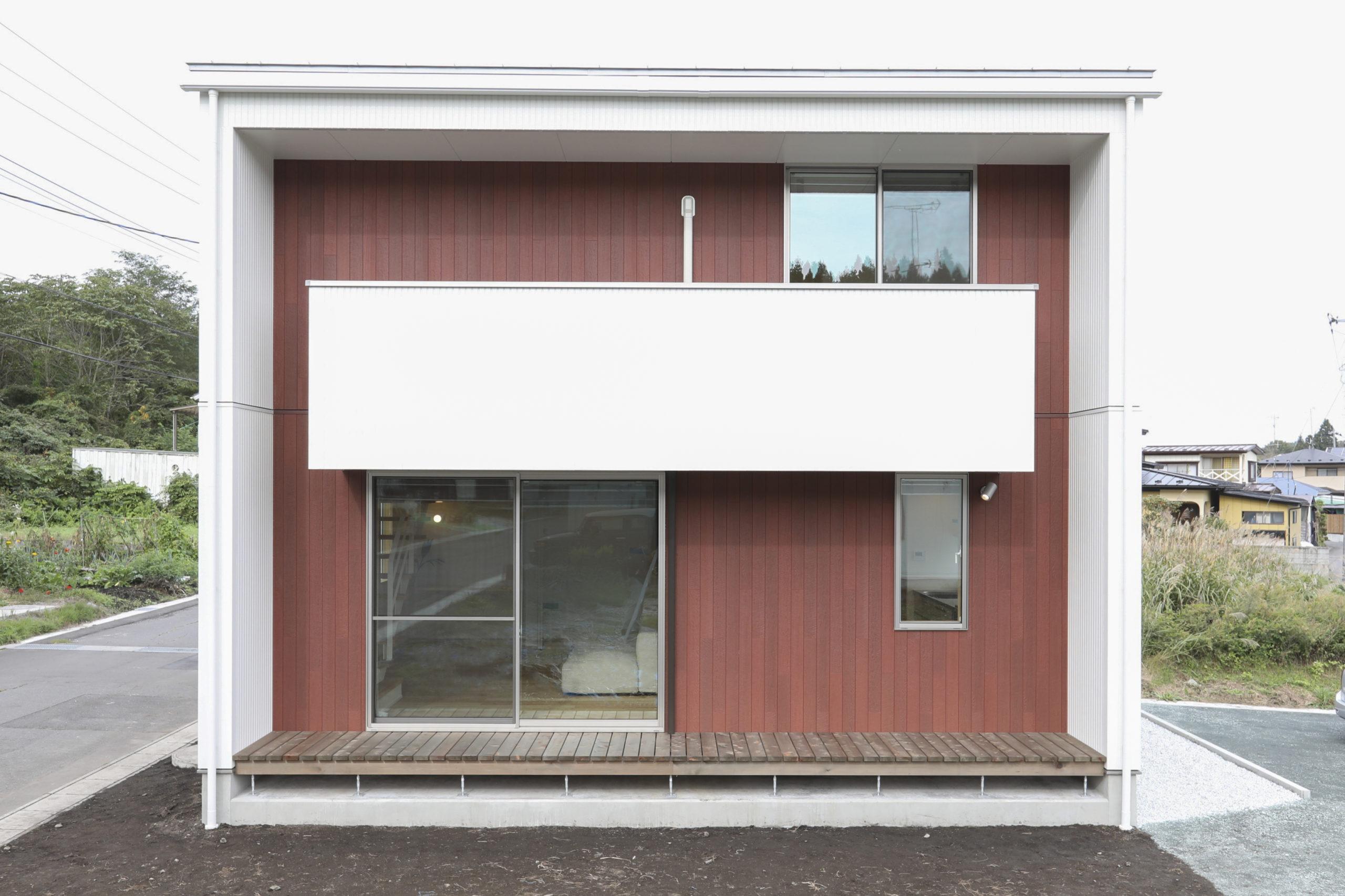 五戸町の新築住宅の白い外壁|八戸市 新築住宅