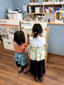 お絵かきをするお子様|八戸市 工務店