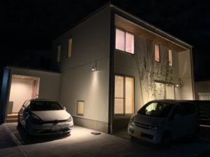 八戸市 根城のM様邸の夜の外観写真|八戸市 注文住宅