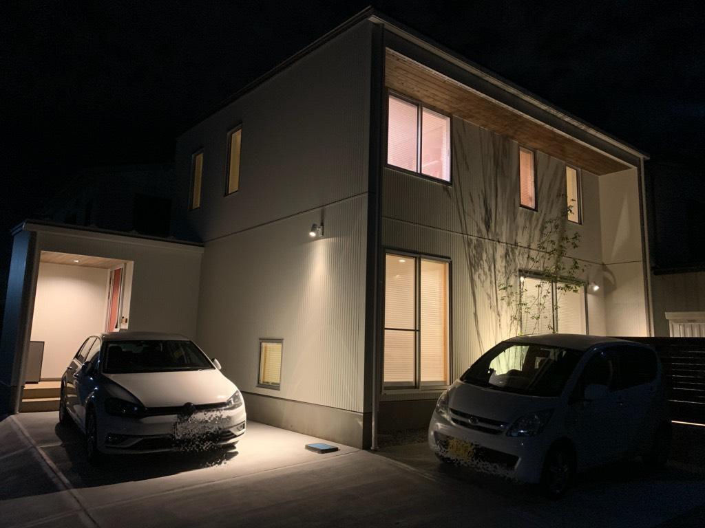 八戸市 根城M様邸の夜のかっこいいおうち|八戸市 注文住宅