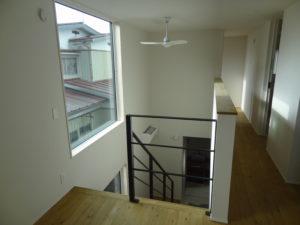 リビング階段と吹き抜け|八戸市 新築住宅