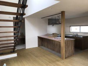 造作のダイニングテーブル|八戸市 注文住宅
