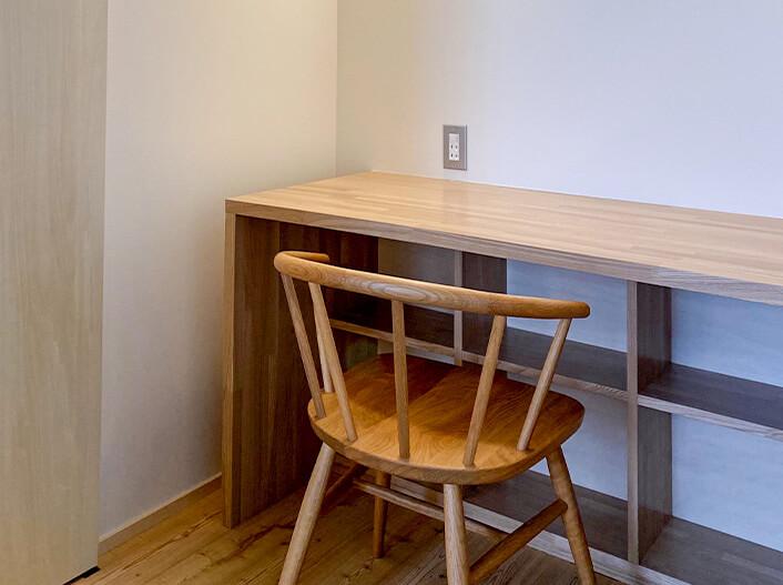 そのまま住める設備・家具|備え付け書斎カウンター