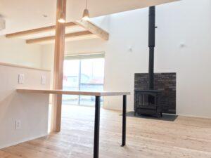 造作のテーブル 八戸市 新築住宅